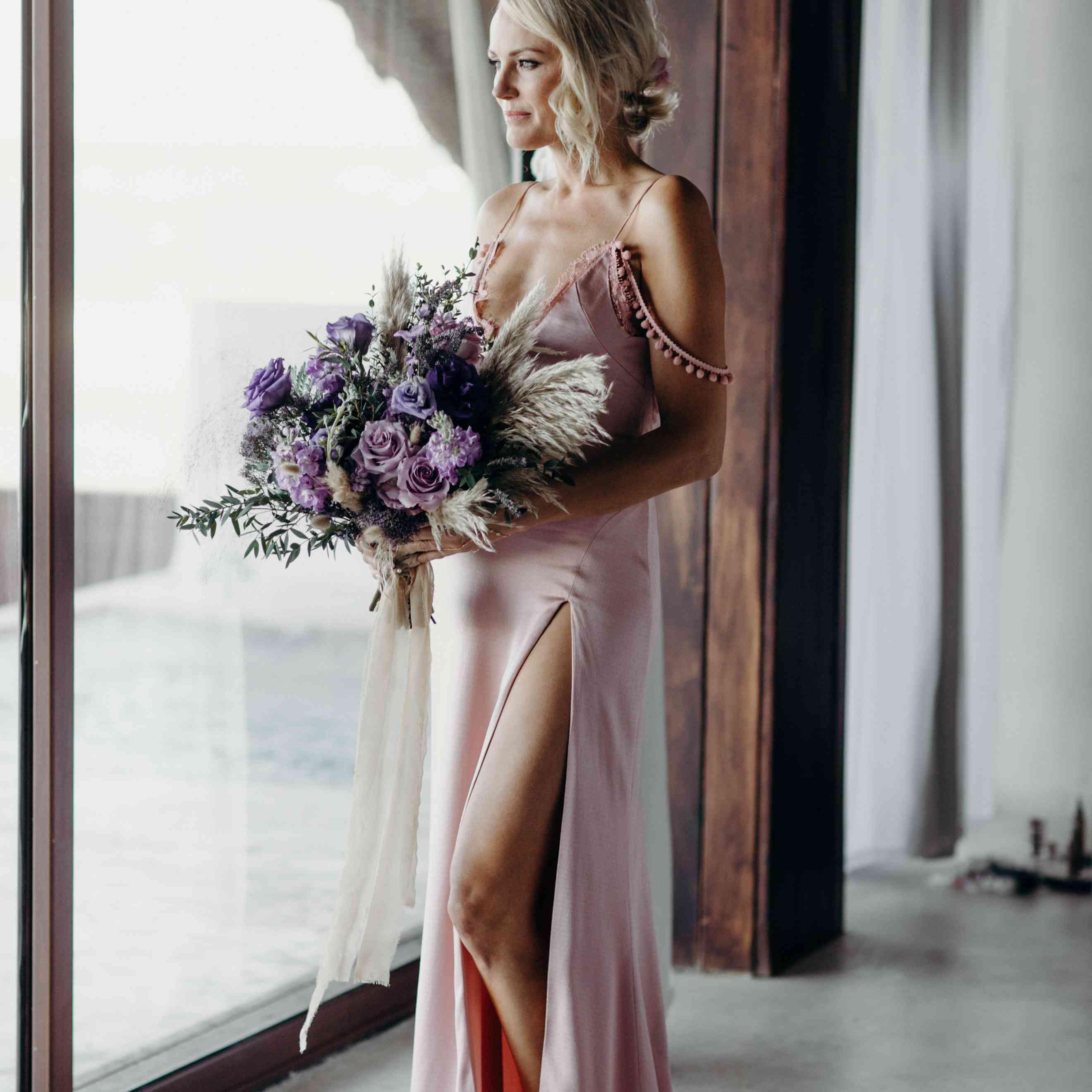 bride in cushnie