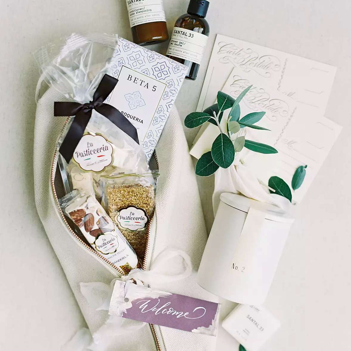 Wedding favors for guests personalized wedding favor bags wedding welcome bags welcome bags wedding guests Wedding bags for hotel guests