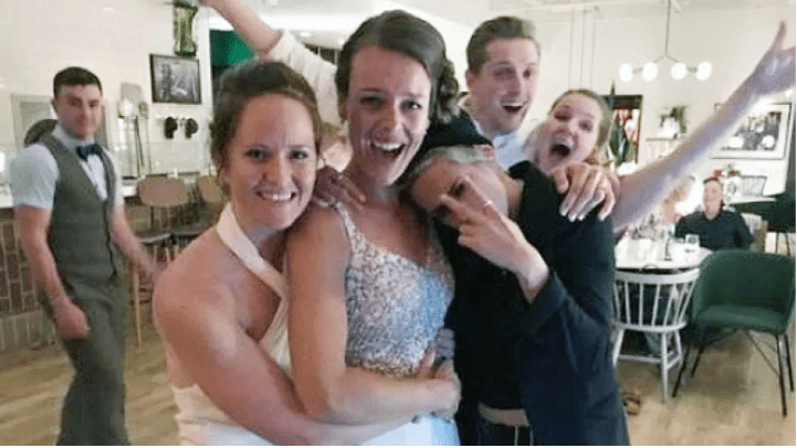 Kristen Stewart crashes wedding