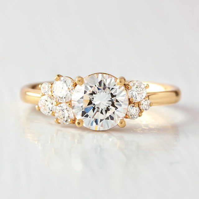 gold band cluster ring