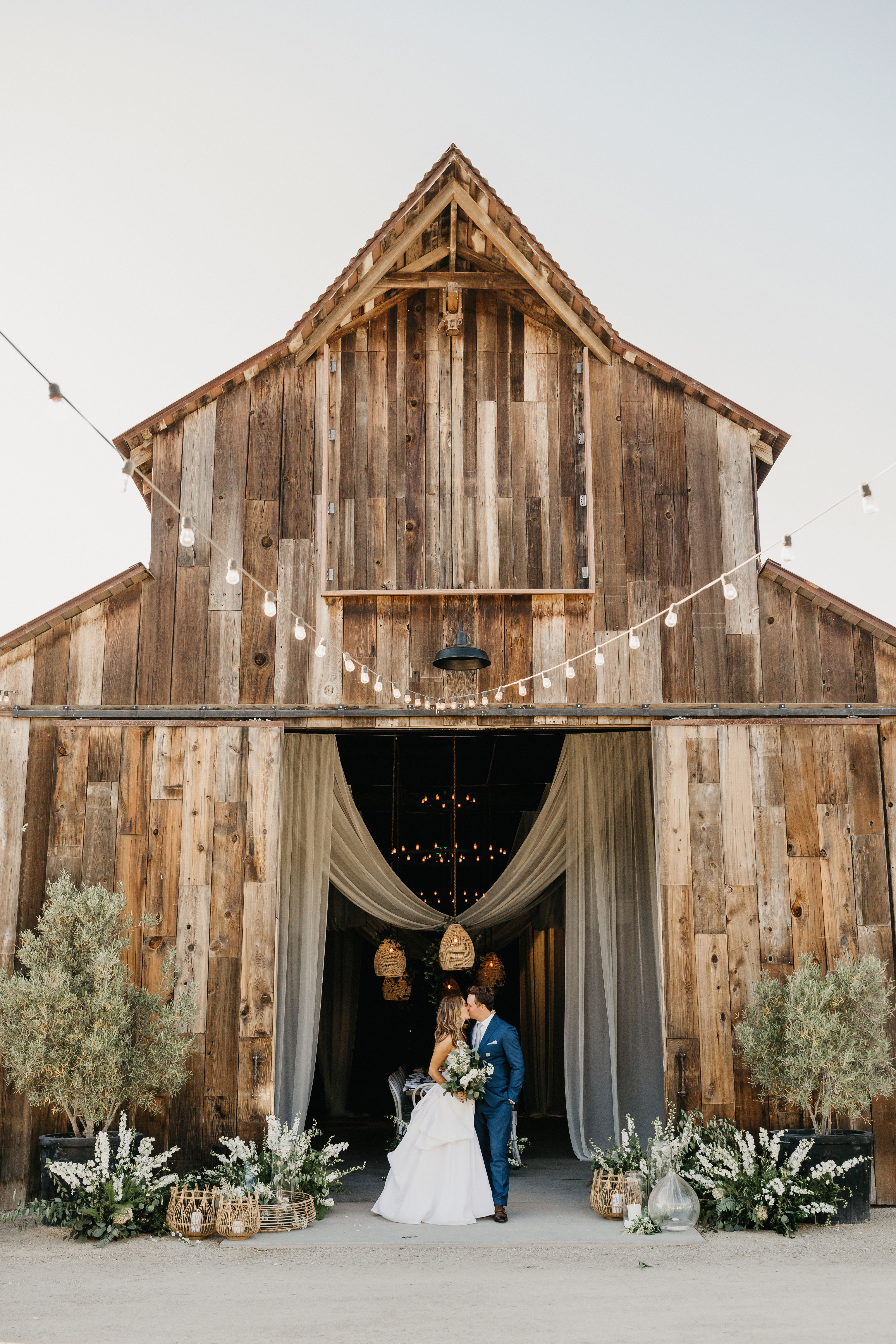 39 Barn Wedding Ideas for Any (Yes, Any!) Style