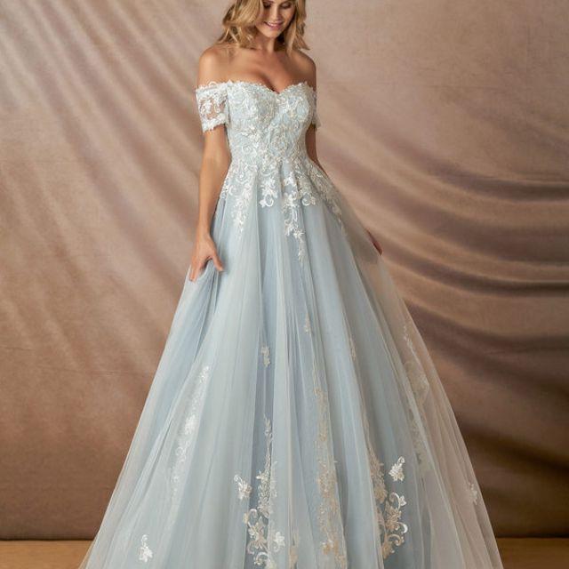 10 Floral Wedding Dresses