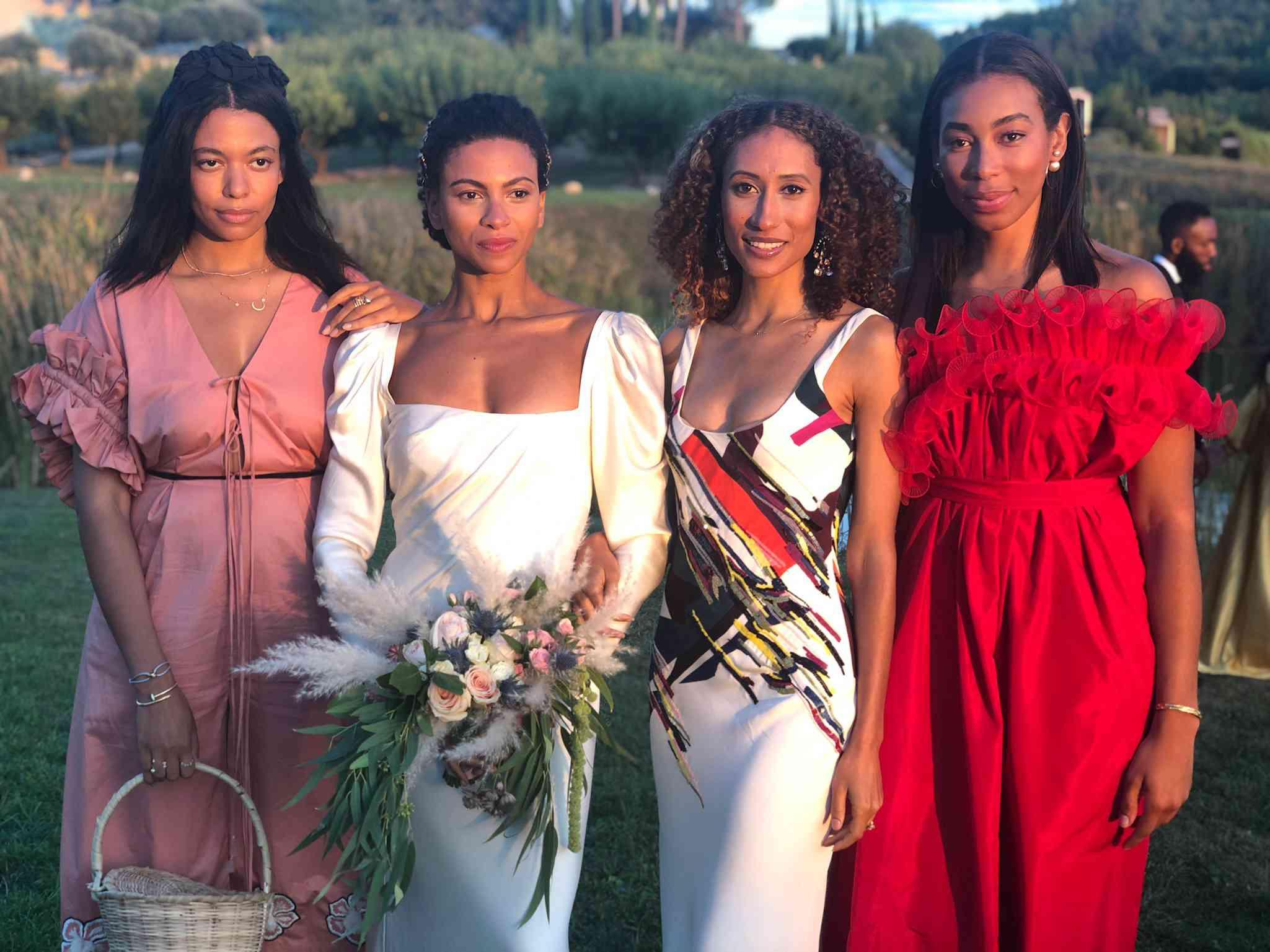 <p>bride with guests</p><br><br>