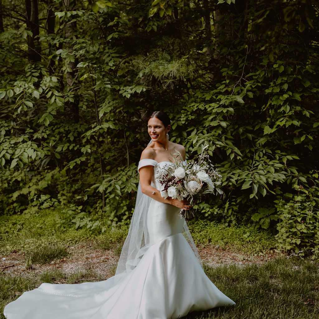 Meaghan wedding portrait