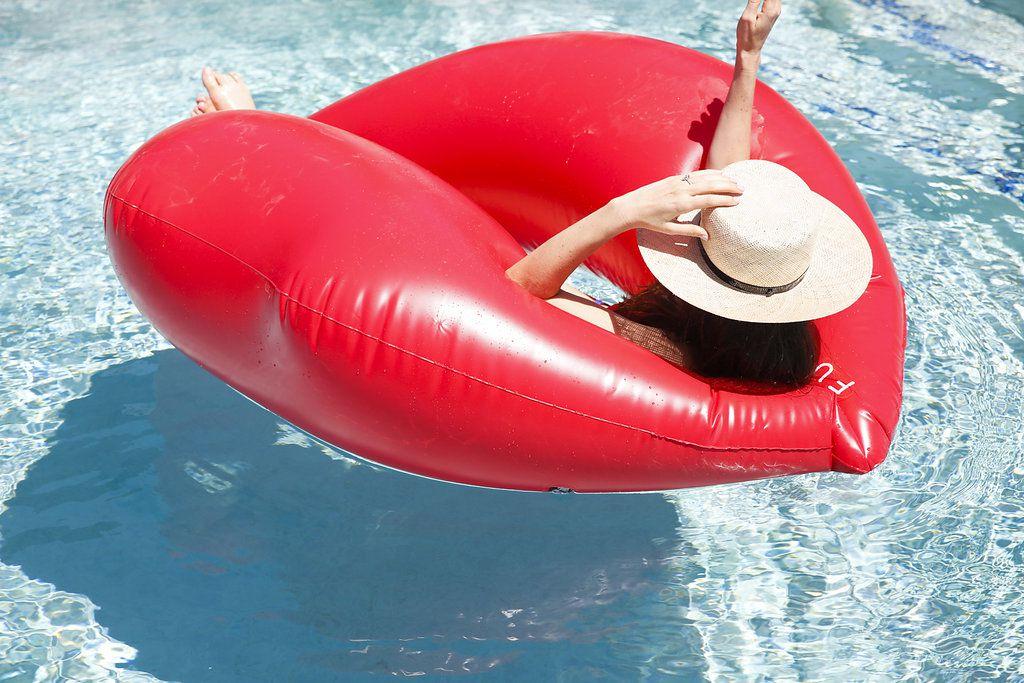 minimalist california wedding, bride pool float