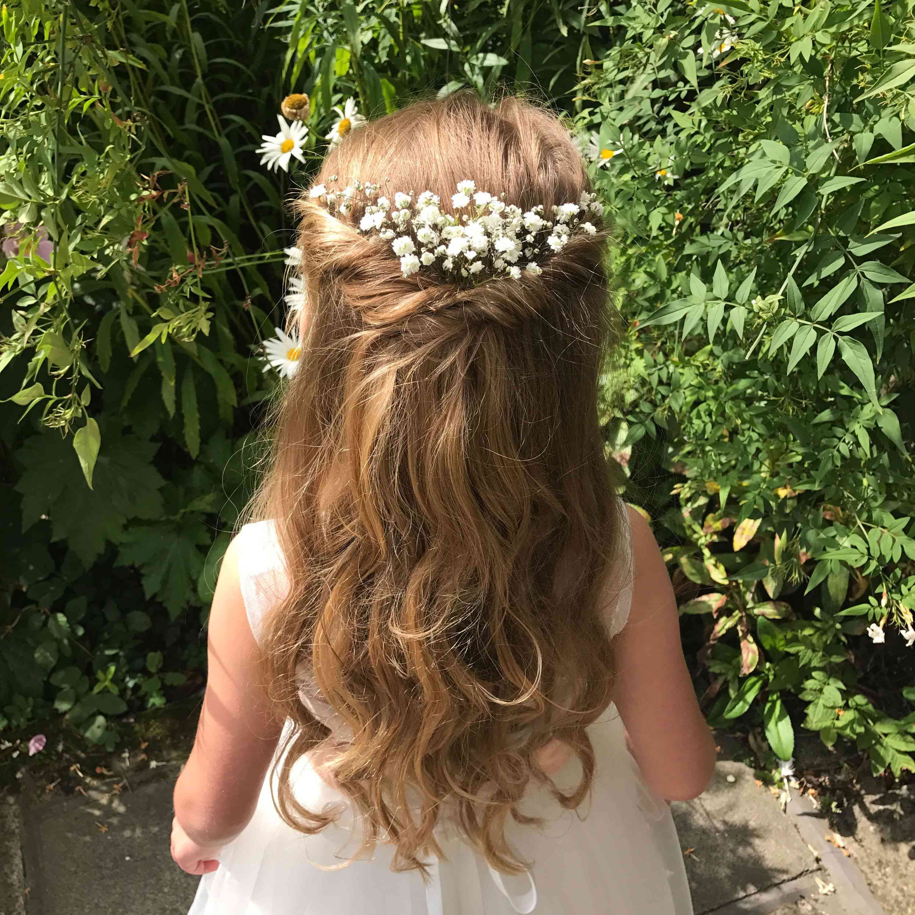 12 Adorable Flower Girl Hairstyles