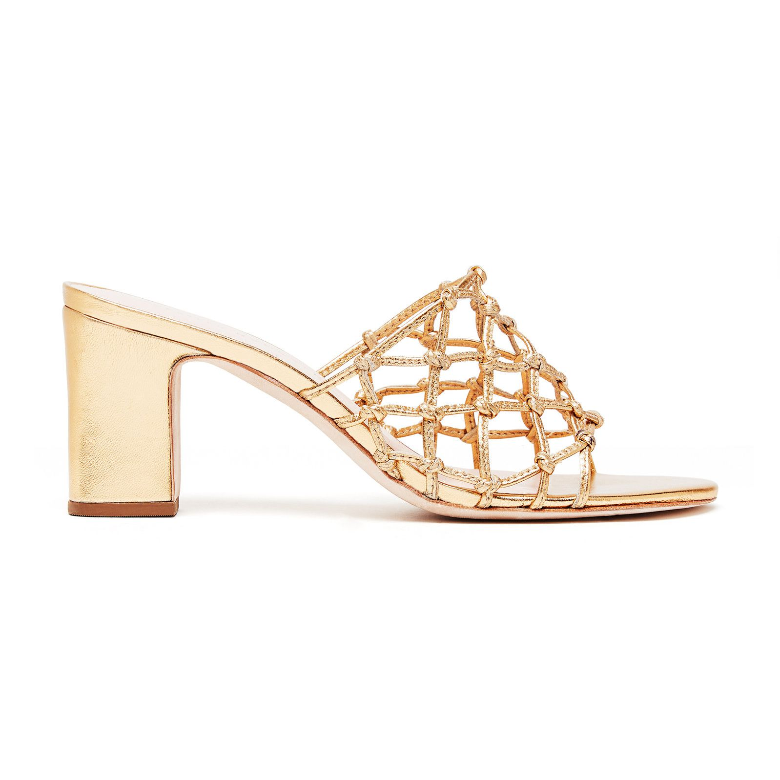 5d0cb4c09497d 25 Shoes Perfect for Your Beach Wedding