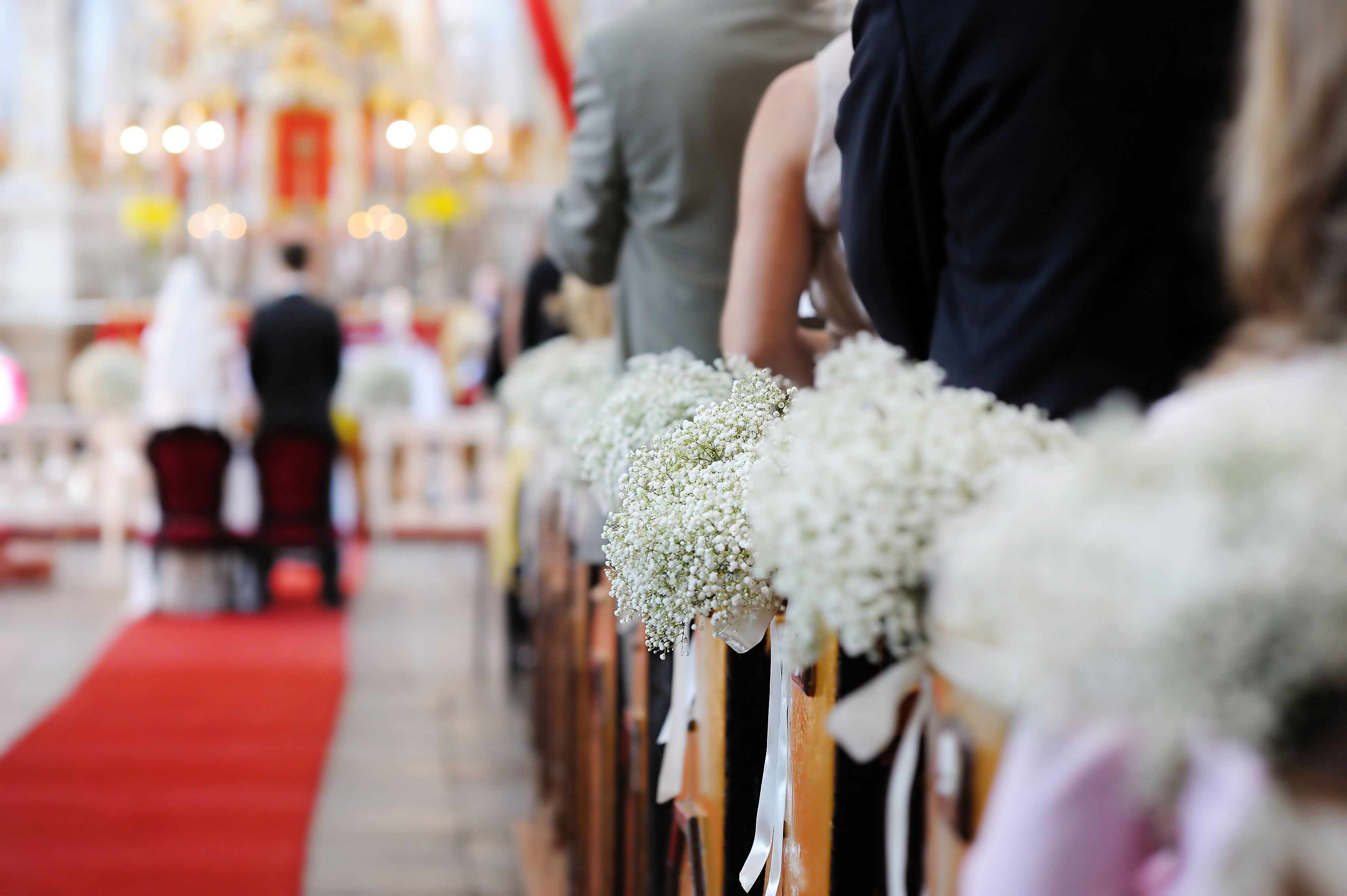 9 Church Wedding Decorations To Enhance Your Ceremony