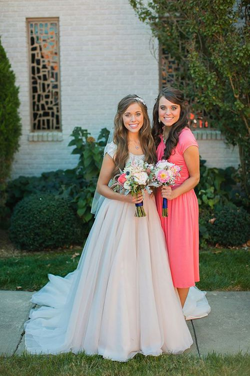 Jinger Duggar Wedding Dress.Watch Jessa Duggar Reveals Why She Wore Pink Instead Of White On