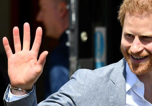 <p><p><p><p>Prince Harry, Duke of Sussex waves to well-wishers in Oxford, England.</p></p></p></p>