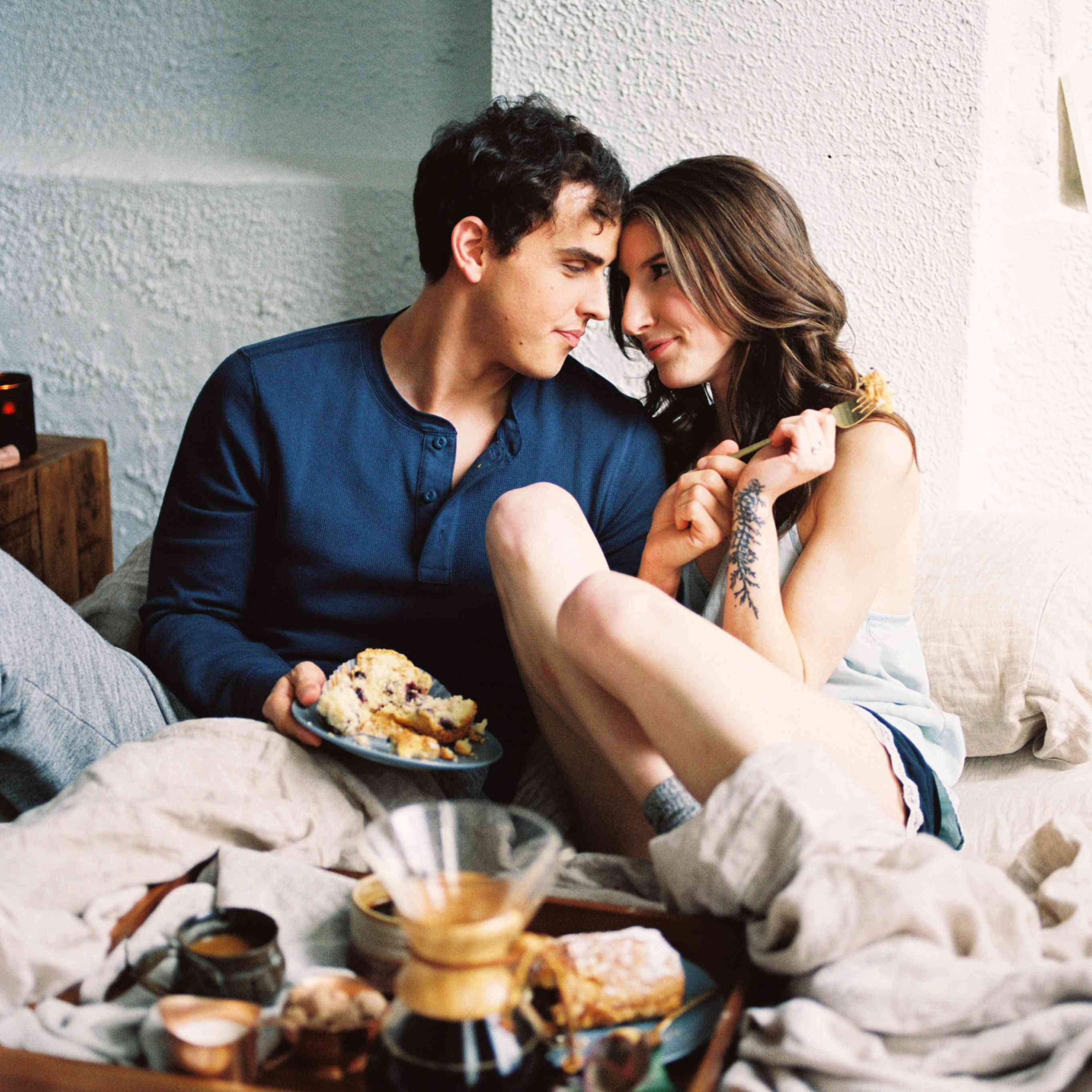 80 Engagement Photo Ideas To Steal From Couples Who Totally