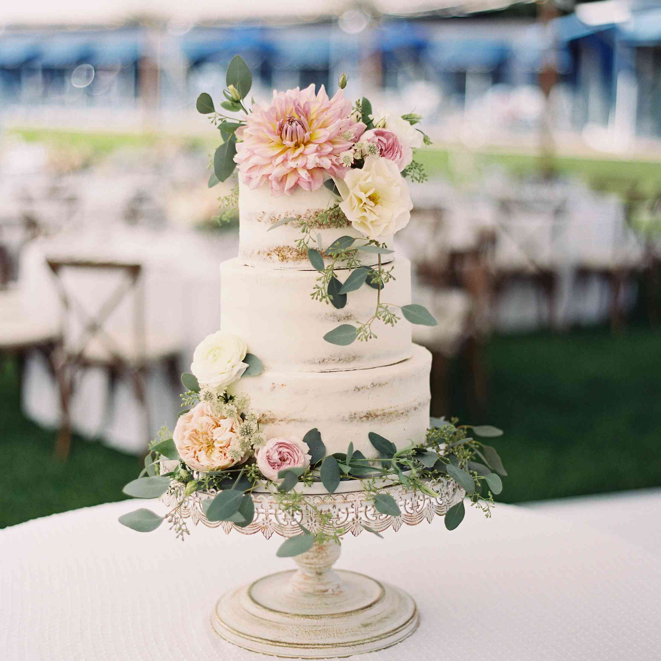 Wedding Cakes With Flowers: 27 Pretty Wedding Cakes That Are Ready For Spring