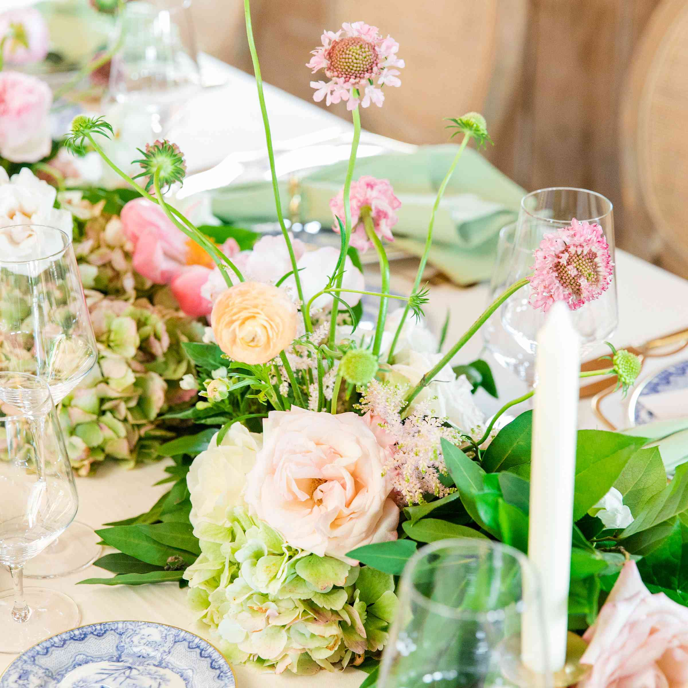 11 Spring Wedding Centerpieces That Ll Make You Swoon