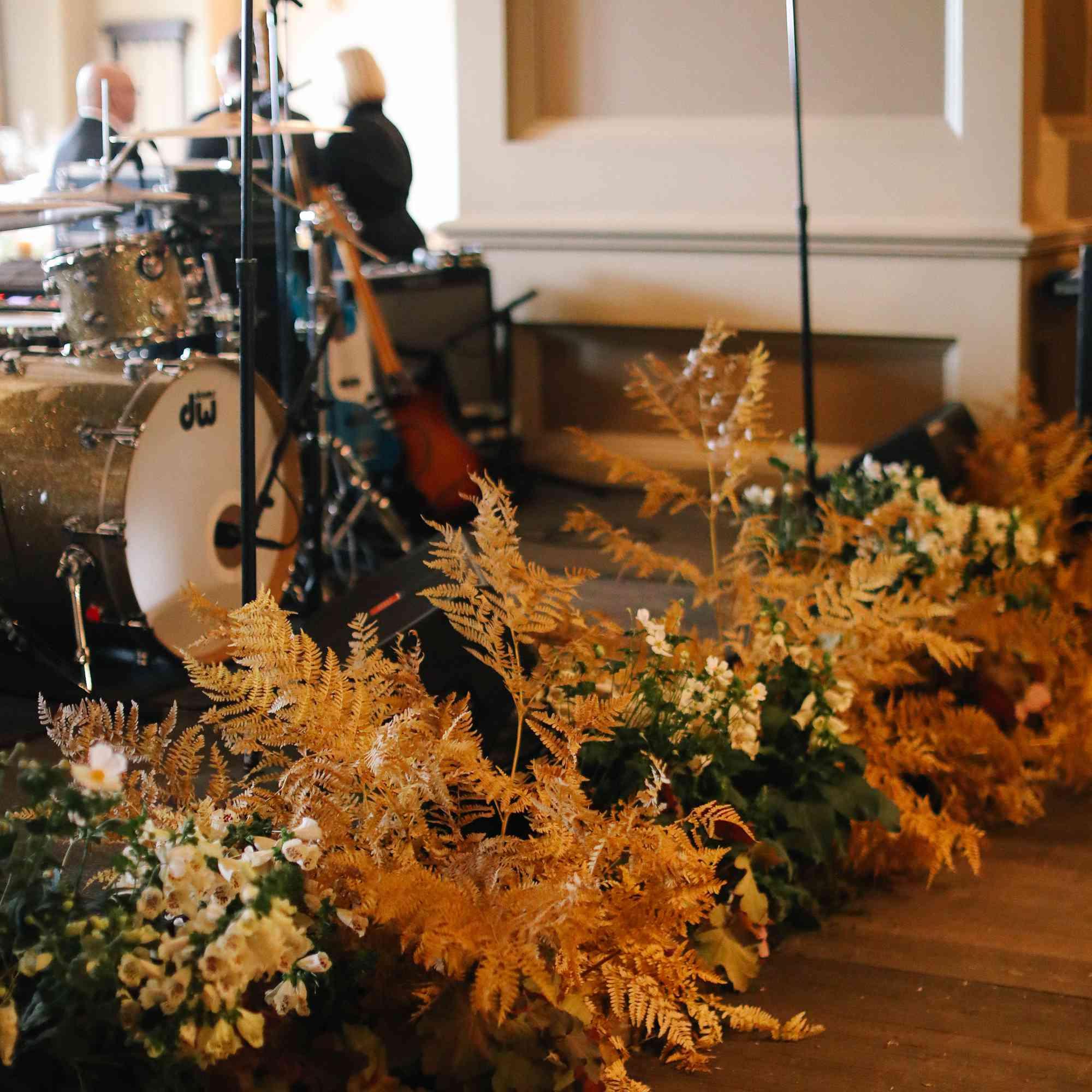 savannah and riker wedding, stage