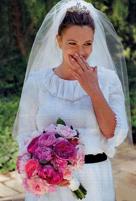 Drew Barrymore marries Will Kopelman in Chanel, 2012