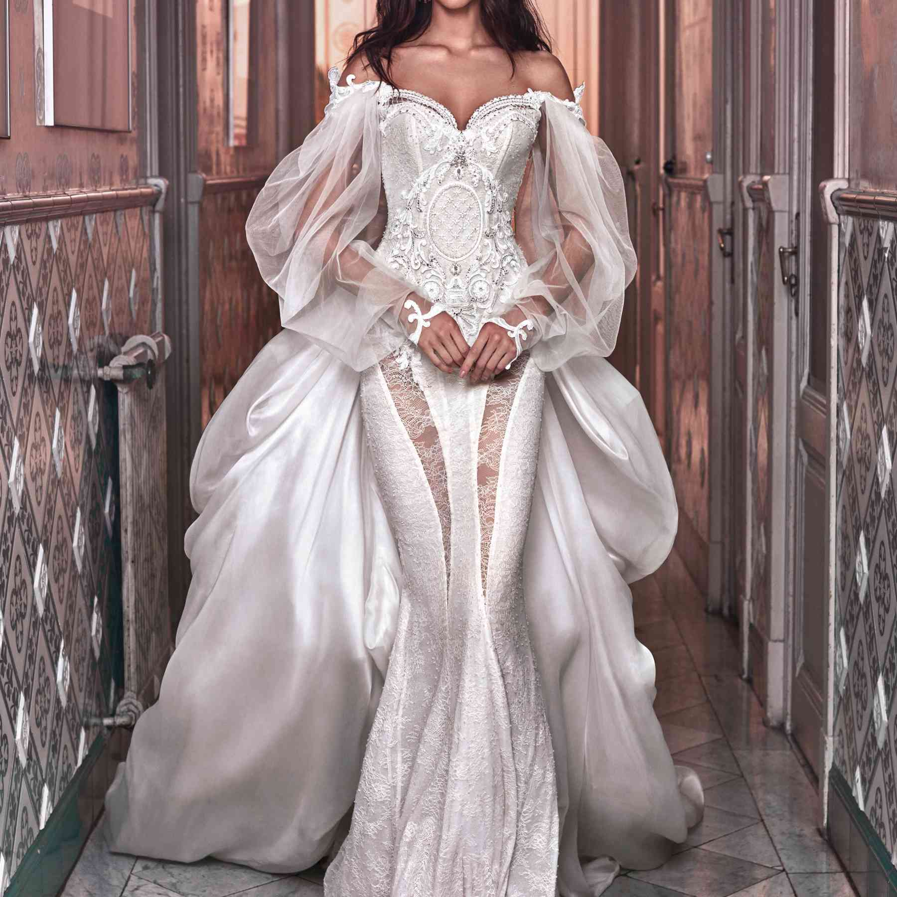 This Is The 12 000 Wedding Dress Beyonce Wore To Renew Her Vows