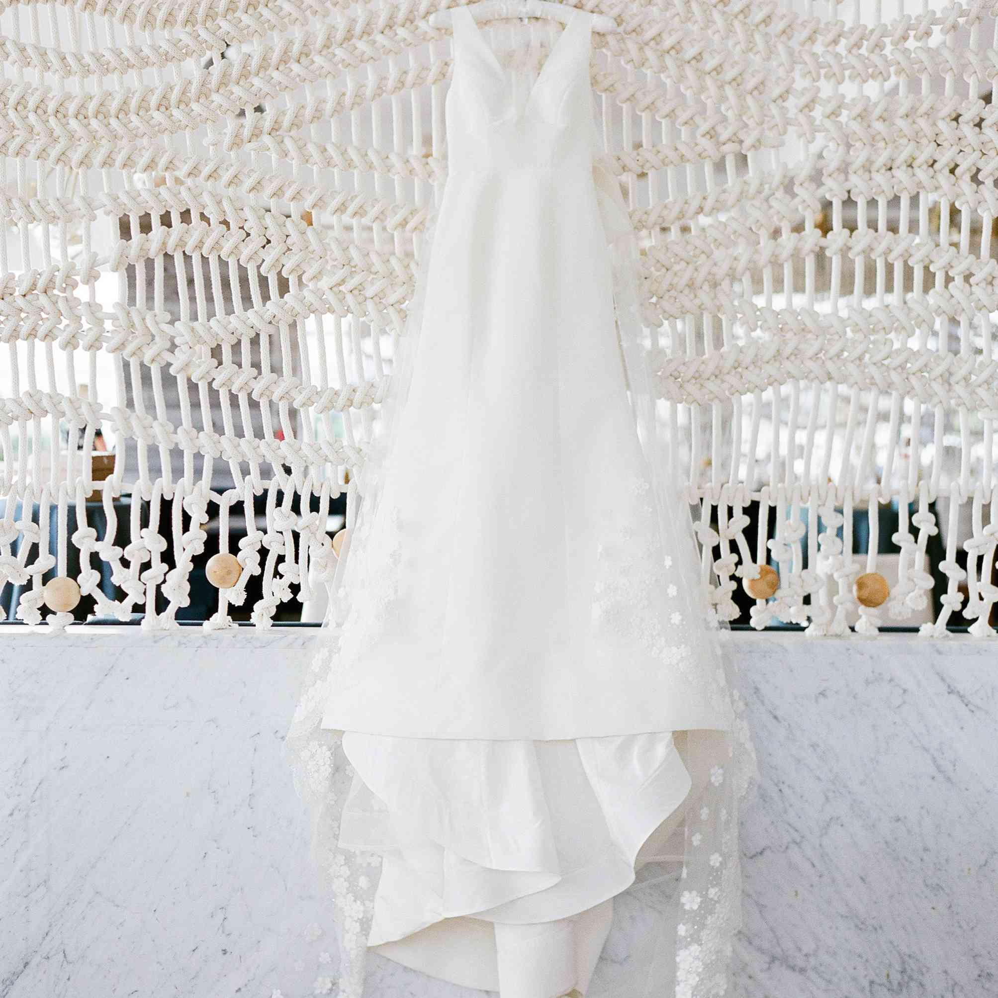<p>wedding dress macrame</p><br><br>