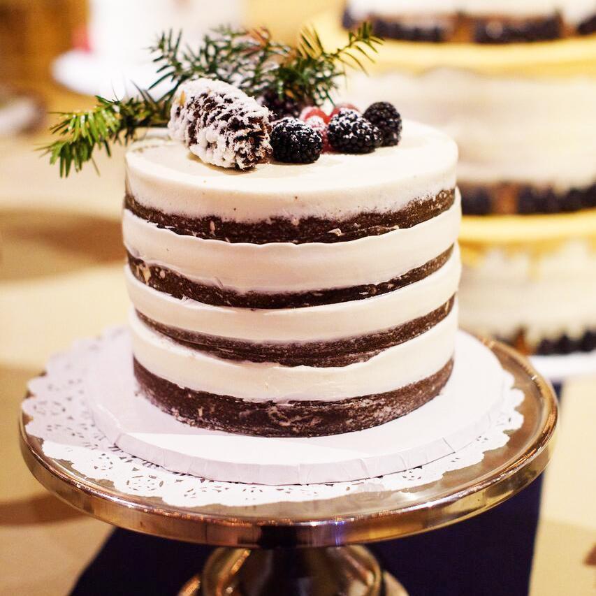 Small Wedding Cakes Ideas: 8 Seasonal Wedding Cake Ideas For A Winter Wedding