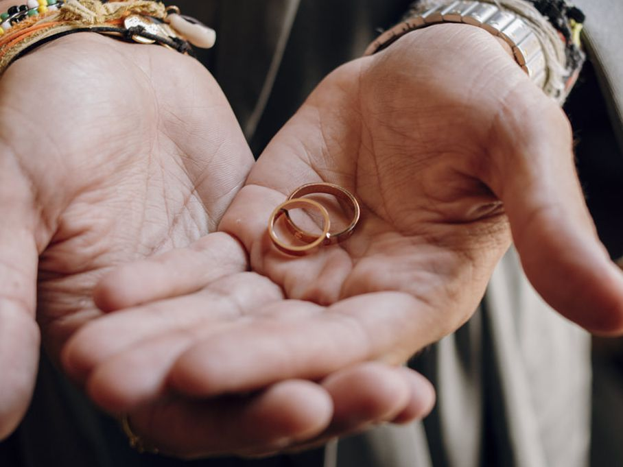The Complete Guide To Wedding Bands