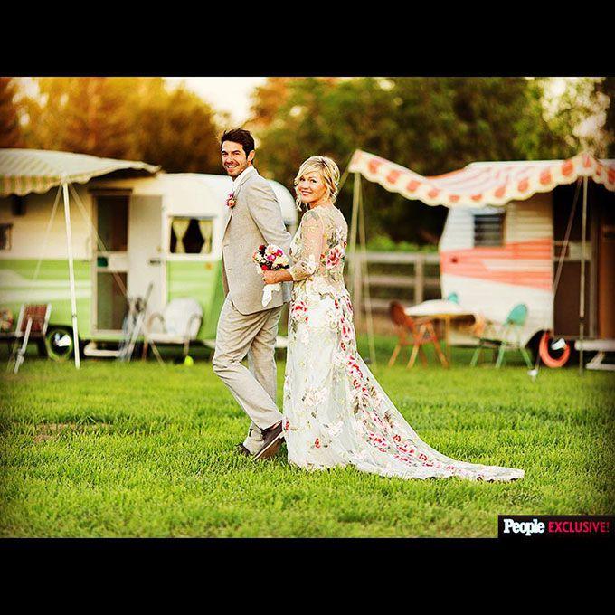 Jennie Garth marries David Abrams in Claire Pettibone, 2015