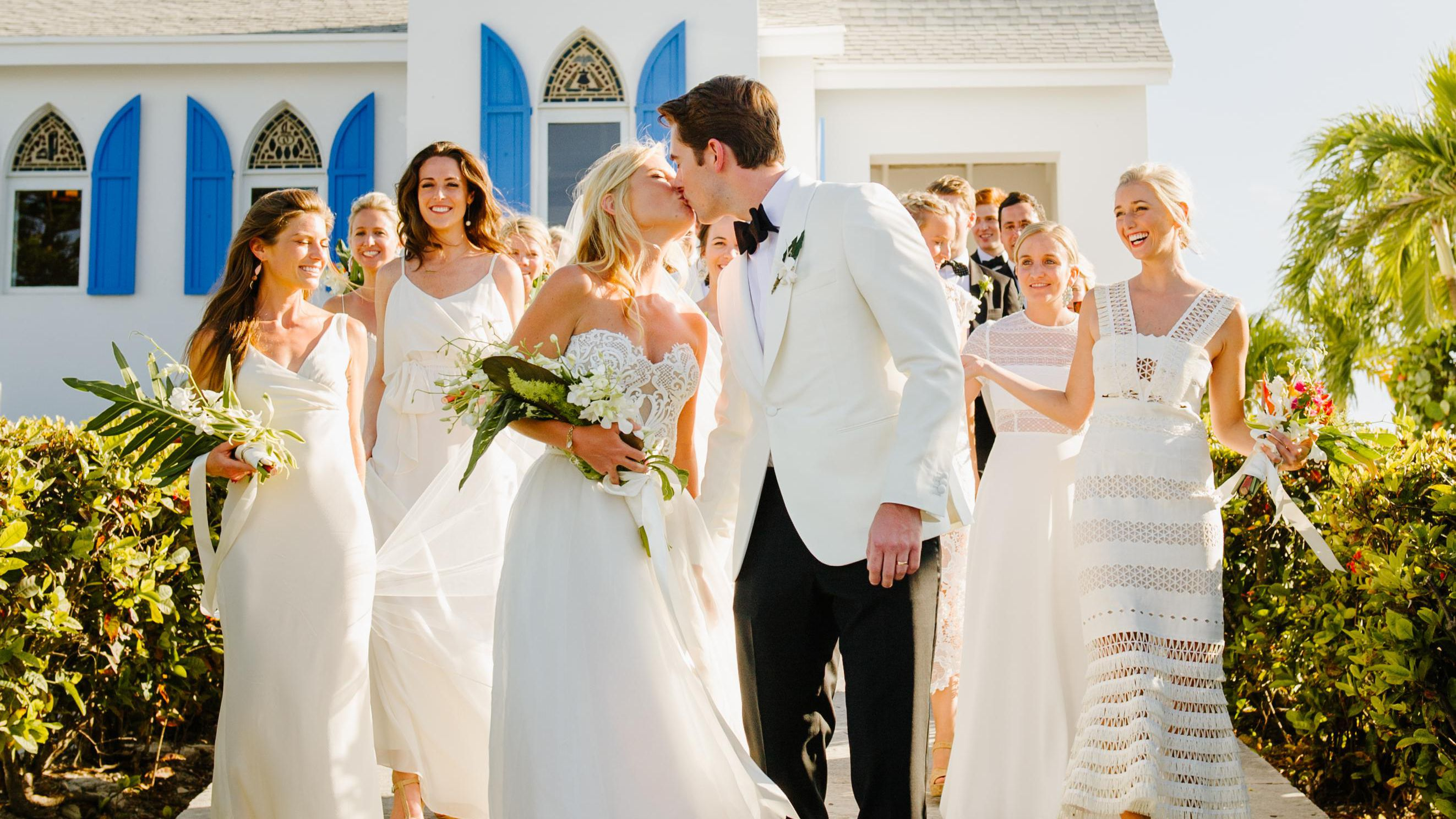 One Couple S Colorful Wedding In The Bahamas