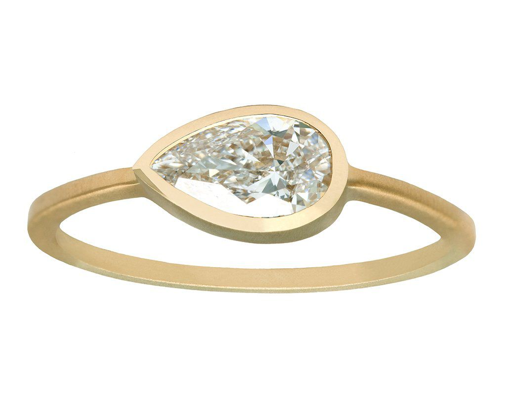 4139eef57dc0e 34 Pear-Shaped Engagement Rings for Every Bride