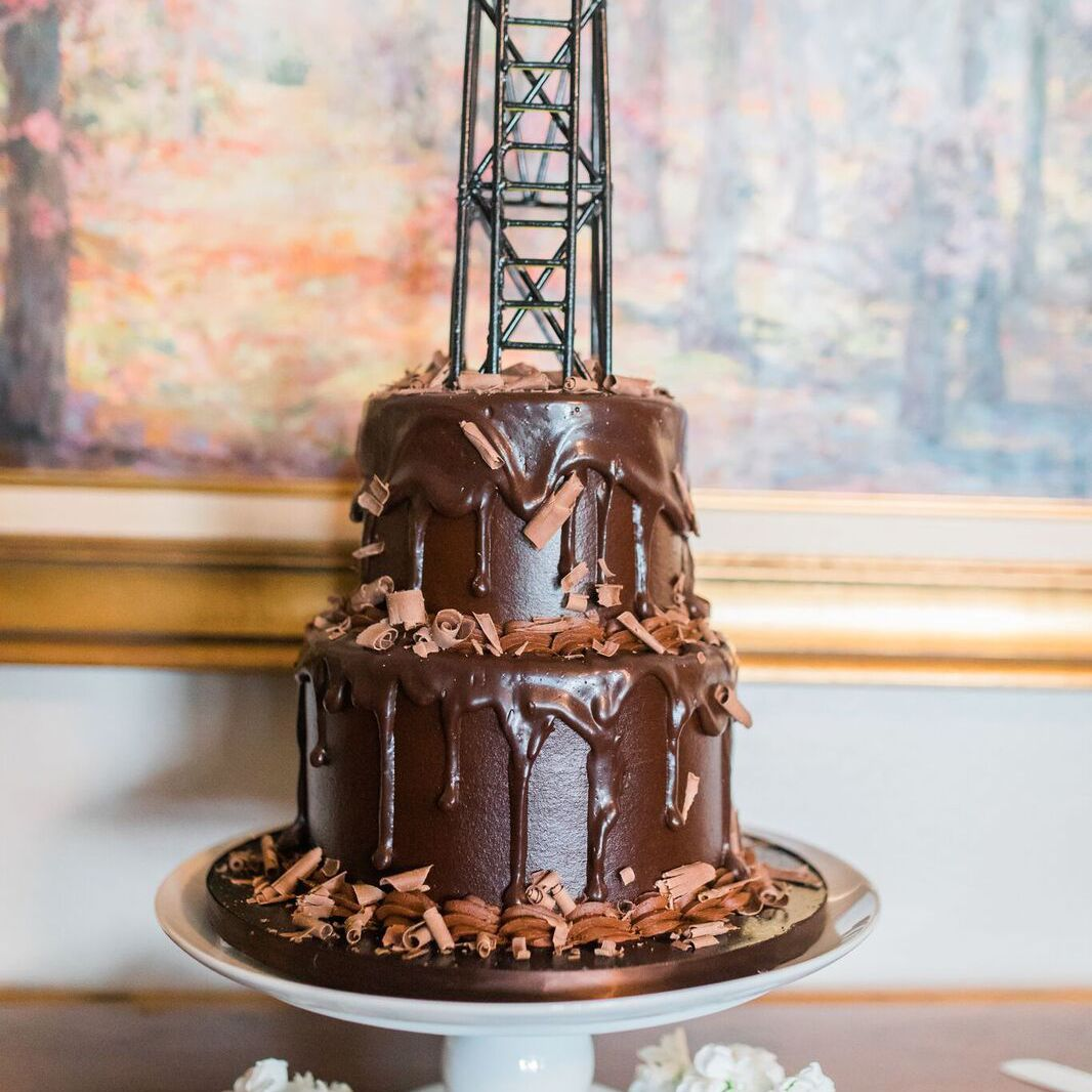 What Is A Groom's Cake? 8 Theme Ideas For Your Wedding
