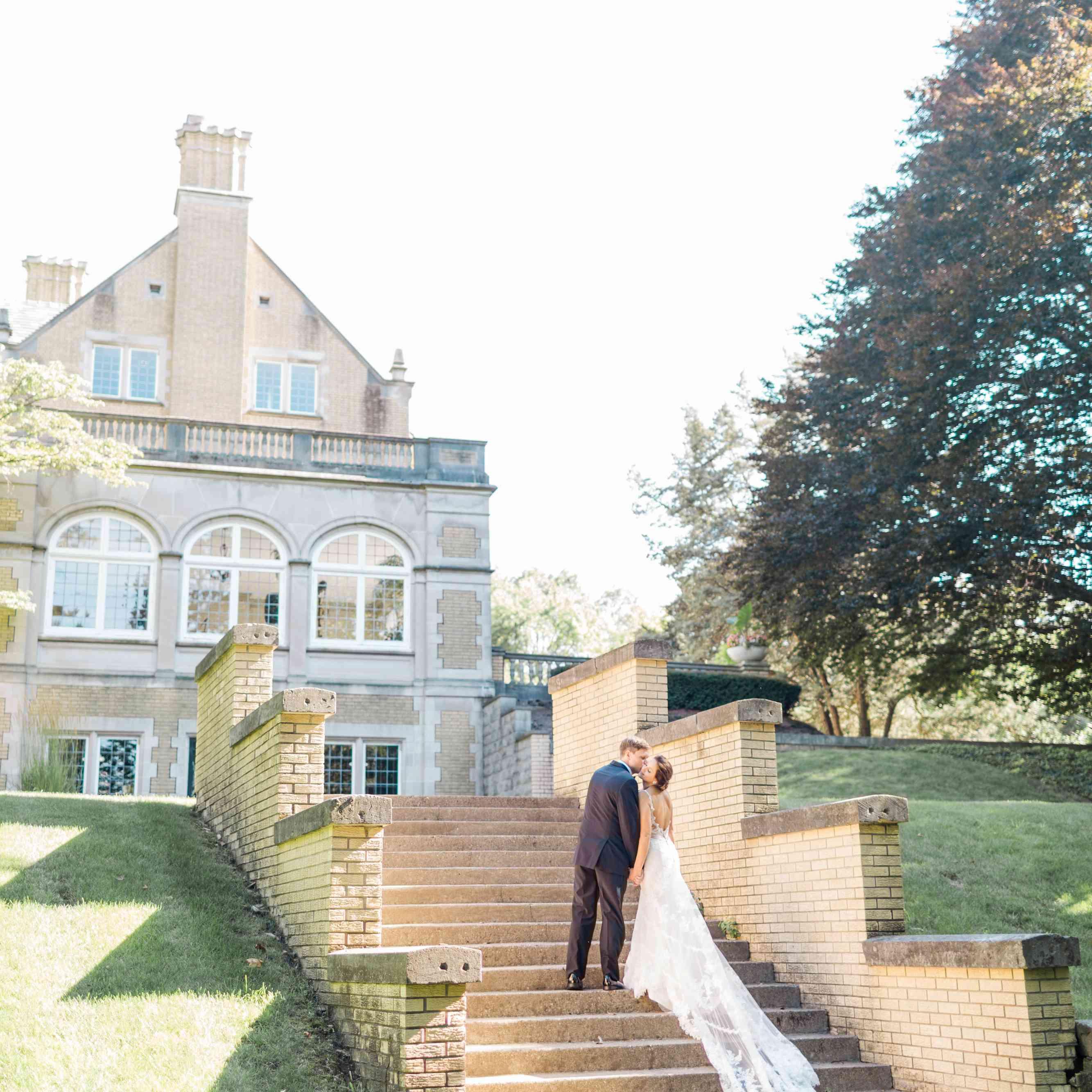 <p>Wedding photo at Laurel Hall in Indianapolis, Indiana</p>