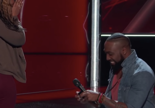 Denton Arnell, a contestant on The Voice, proposed to his girlfriend Tiffany onstage.