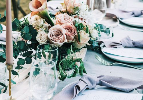Your Guide To Every Type Of Wedding Centerpiece