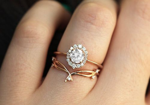 Round-Cut Engagement Rings