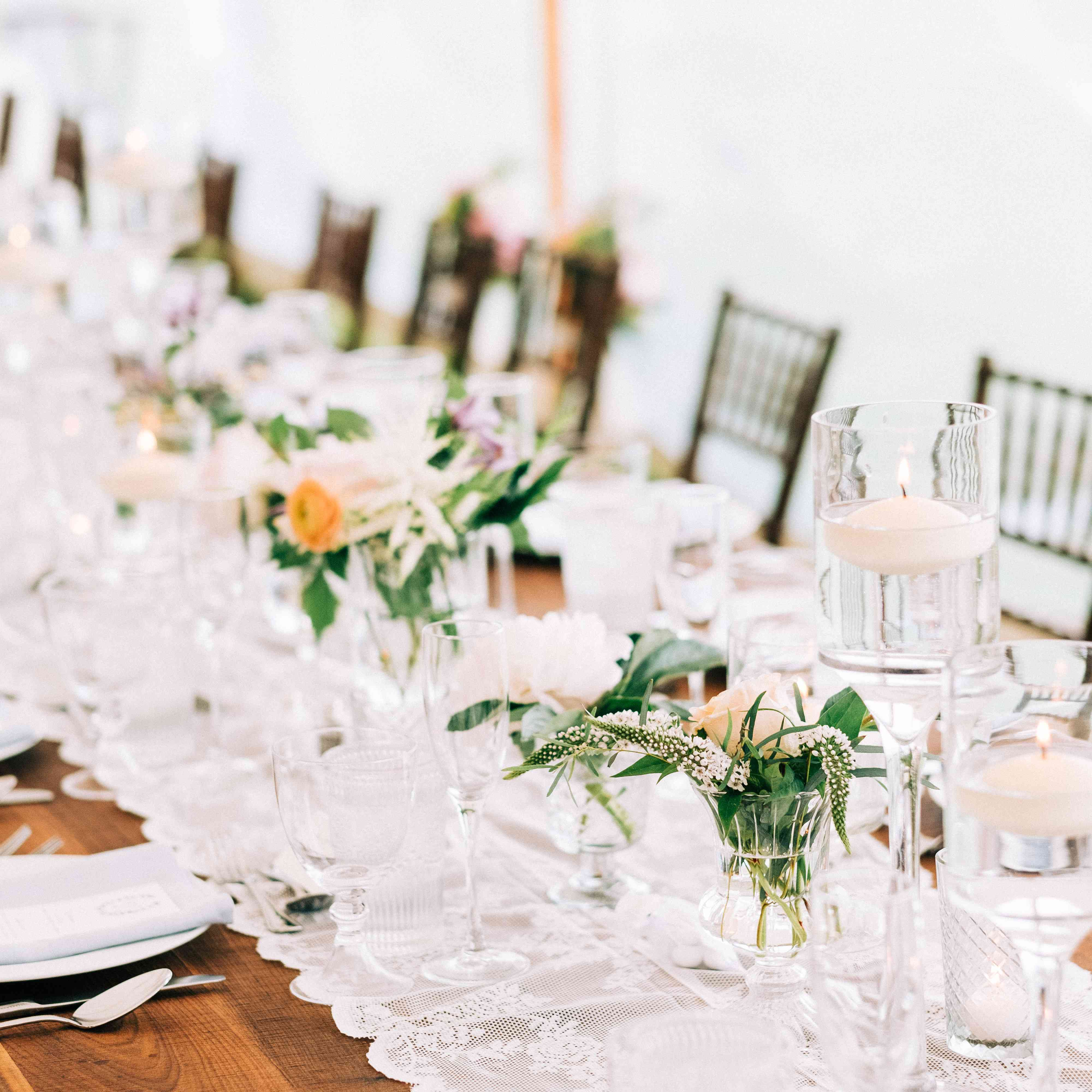 <p>simple tablescape table runner</p><br><br>