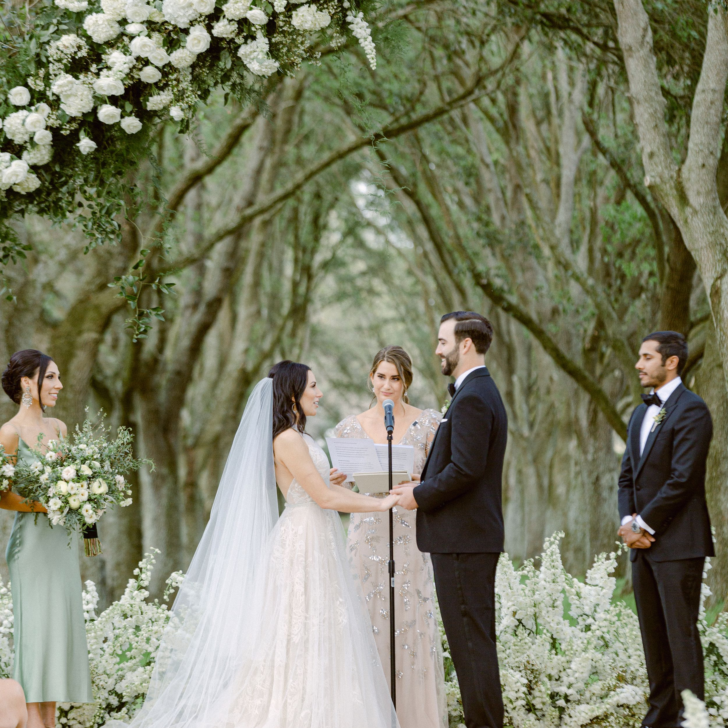 How to Officiate a Wedding Ceremony