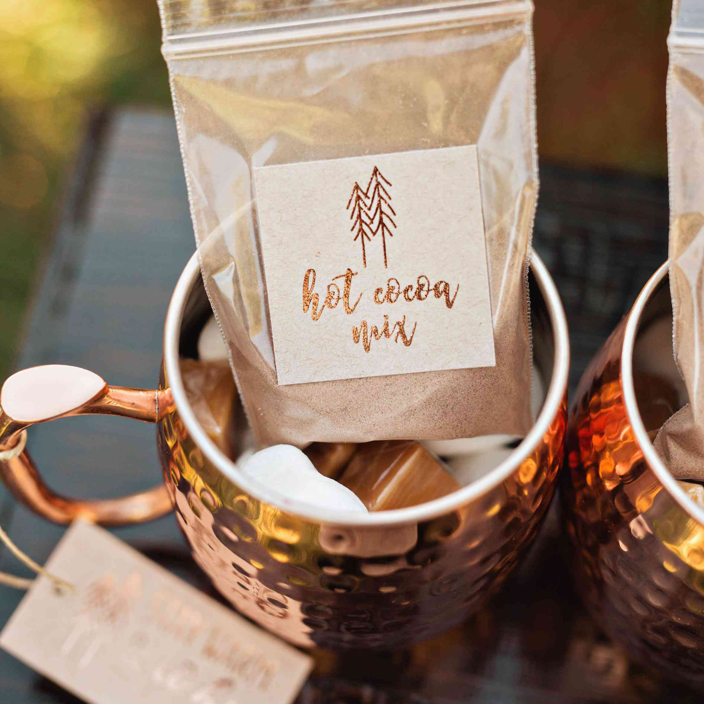 Wedding Souvenirs: 15 DIY Wedding Favors That Even The Least Crafty Couples