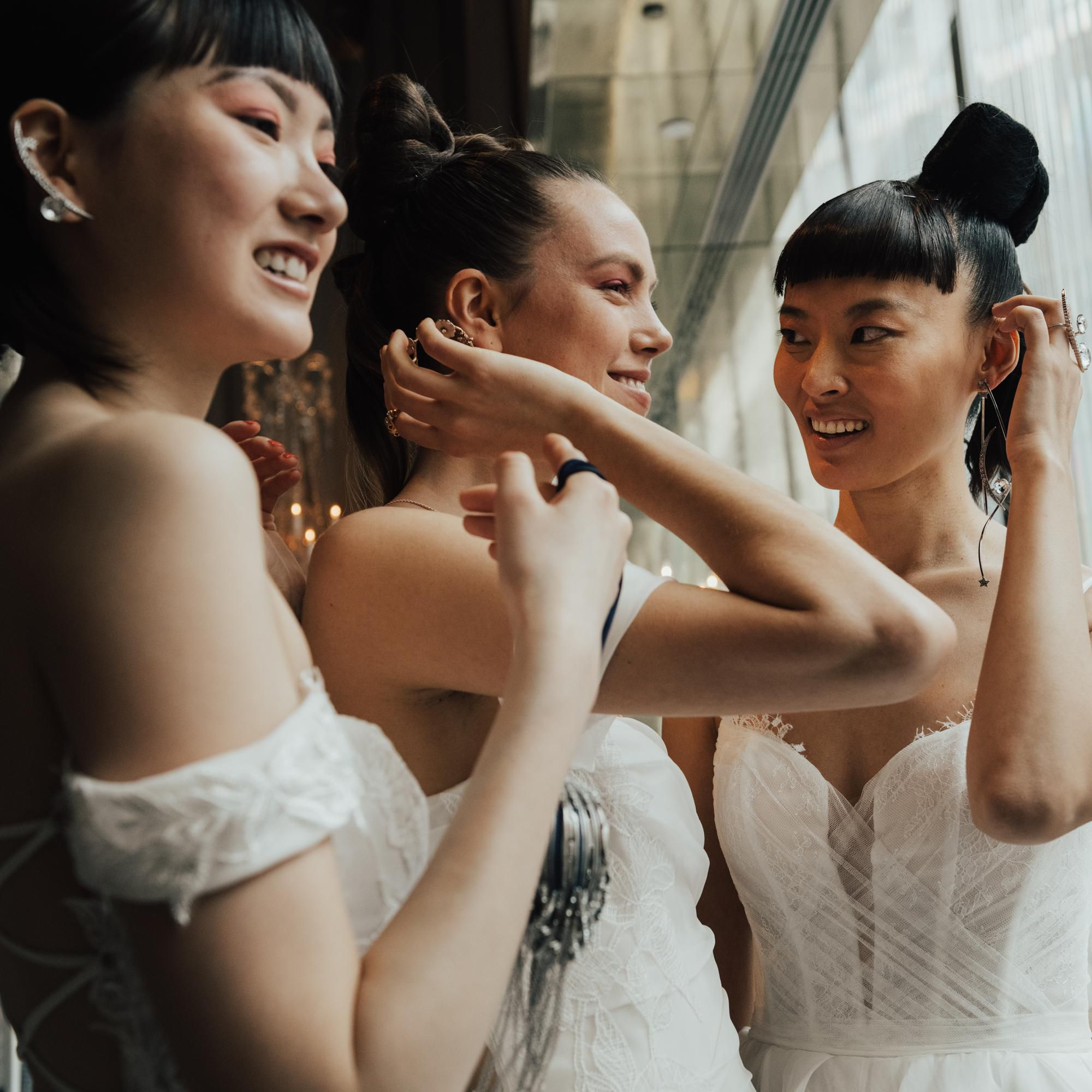 These Will Be 2020 S Hottest Wedding Hair And Makeup Trends