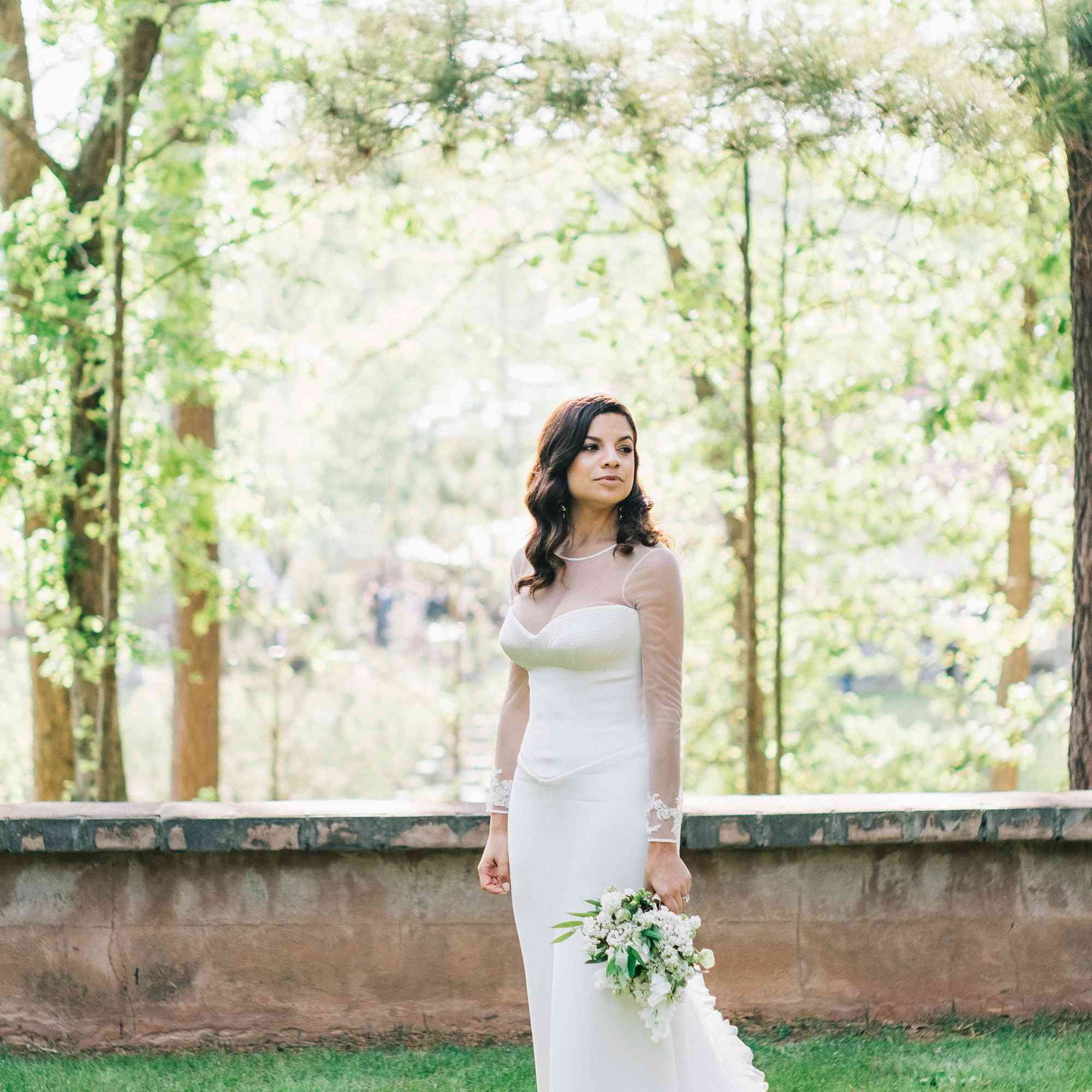 Bride solo with bouquet