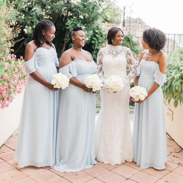 What Your Bridal Party Should And Shouldn't Pay For