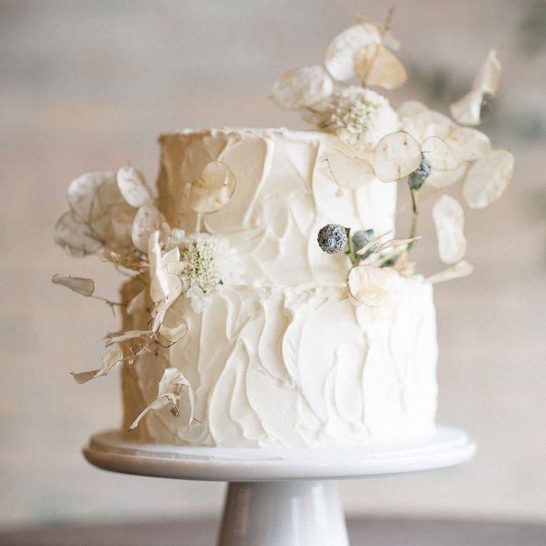 22 All White Wedding Cakes