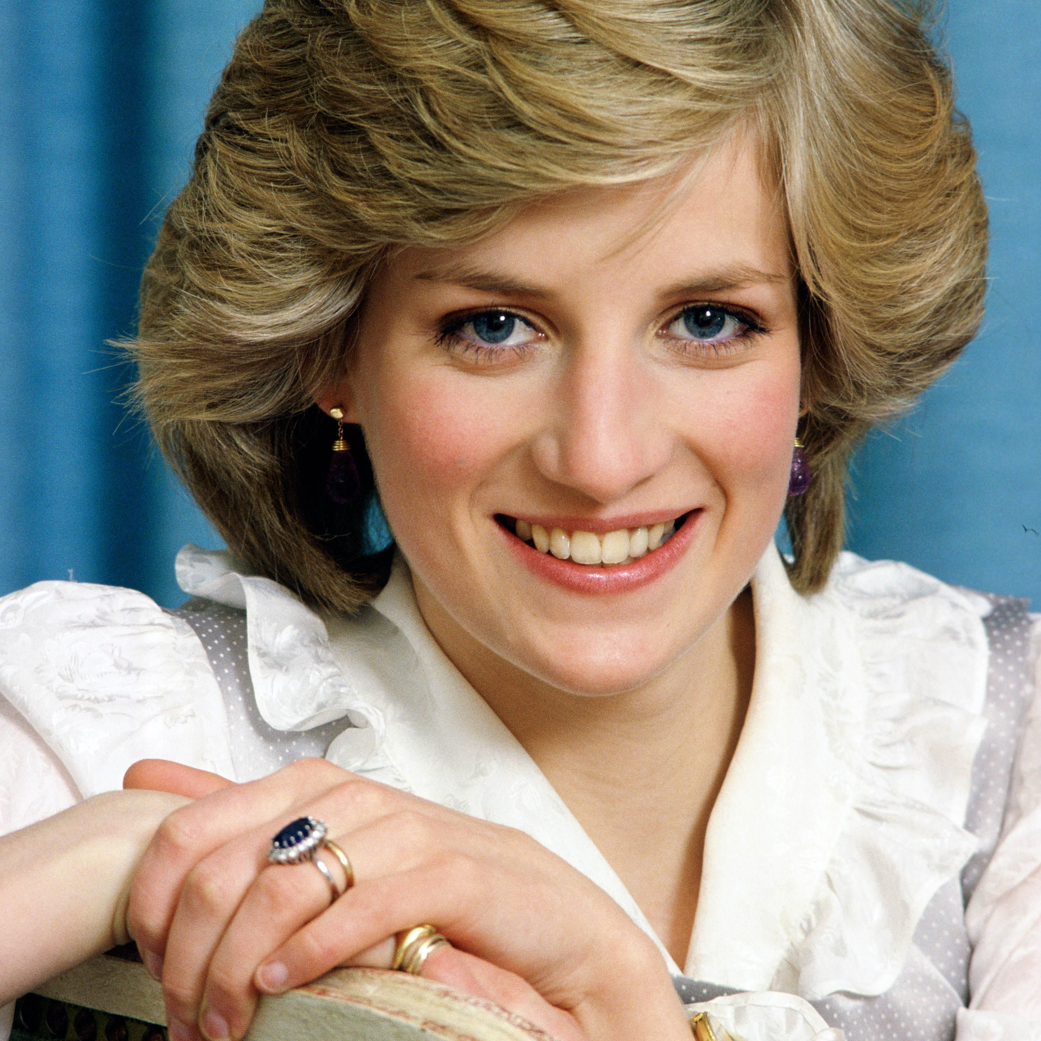 why princess diana s engagement ring caused controversy within the royal family why princess diana s engagement ring