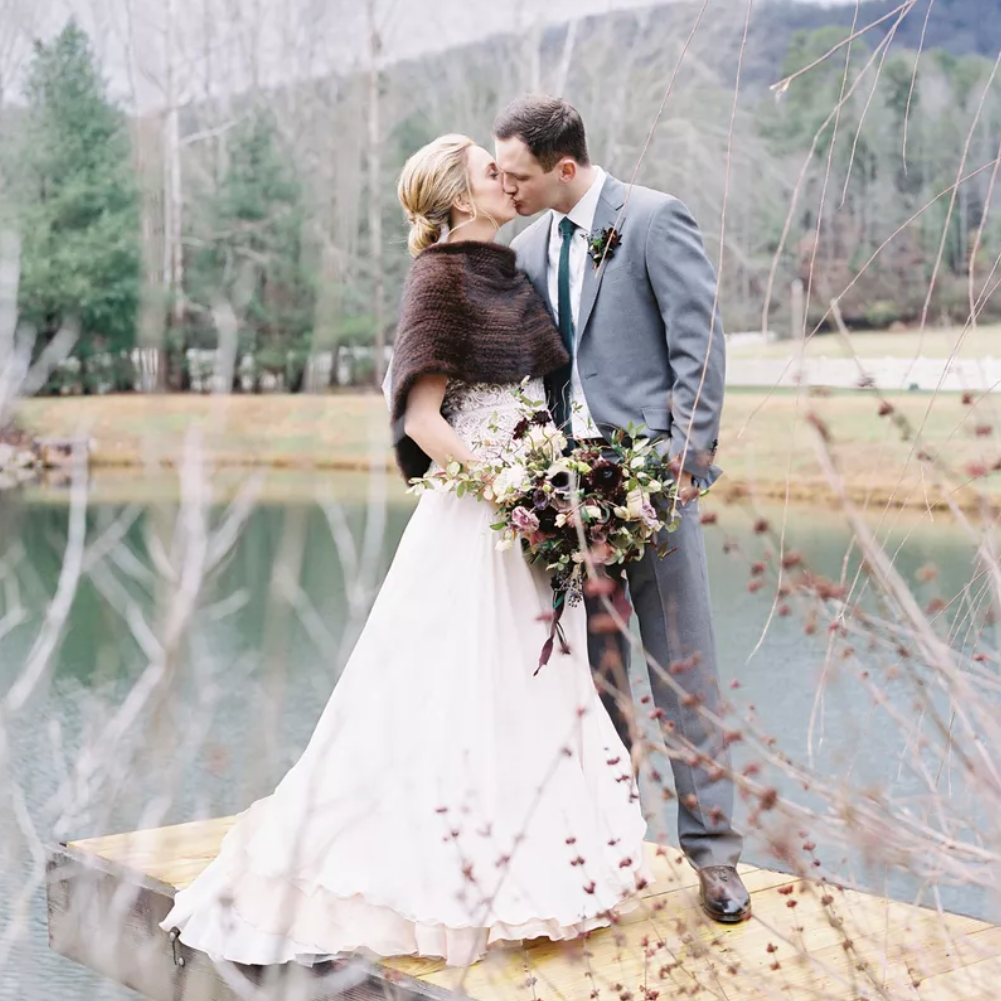 14 Brides Who Looked Truly Dreamy At Their Winter Weddings,Wedding Guest Dresses For Chubby Ladies