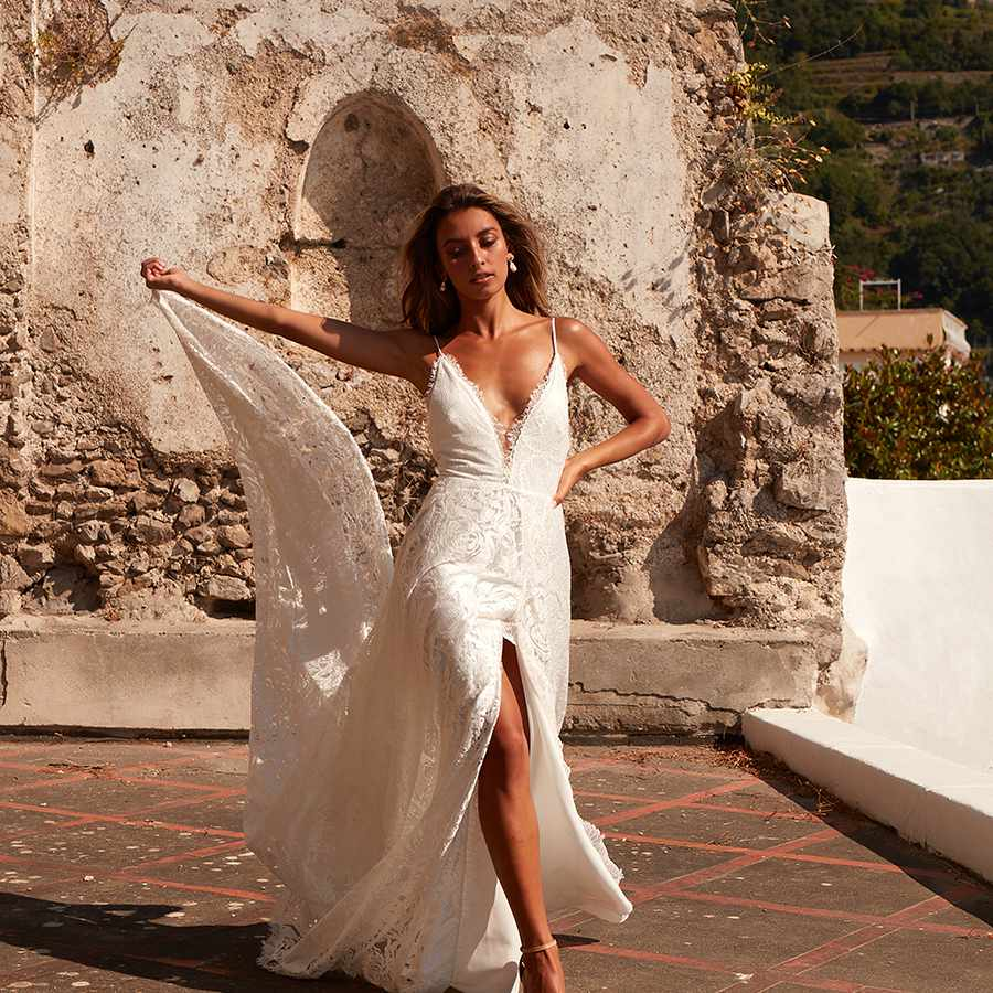 Darling plunging sleeveless wedding dress