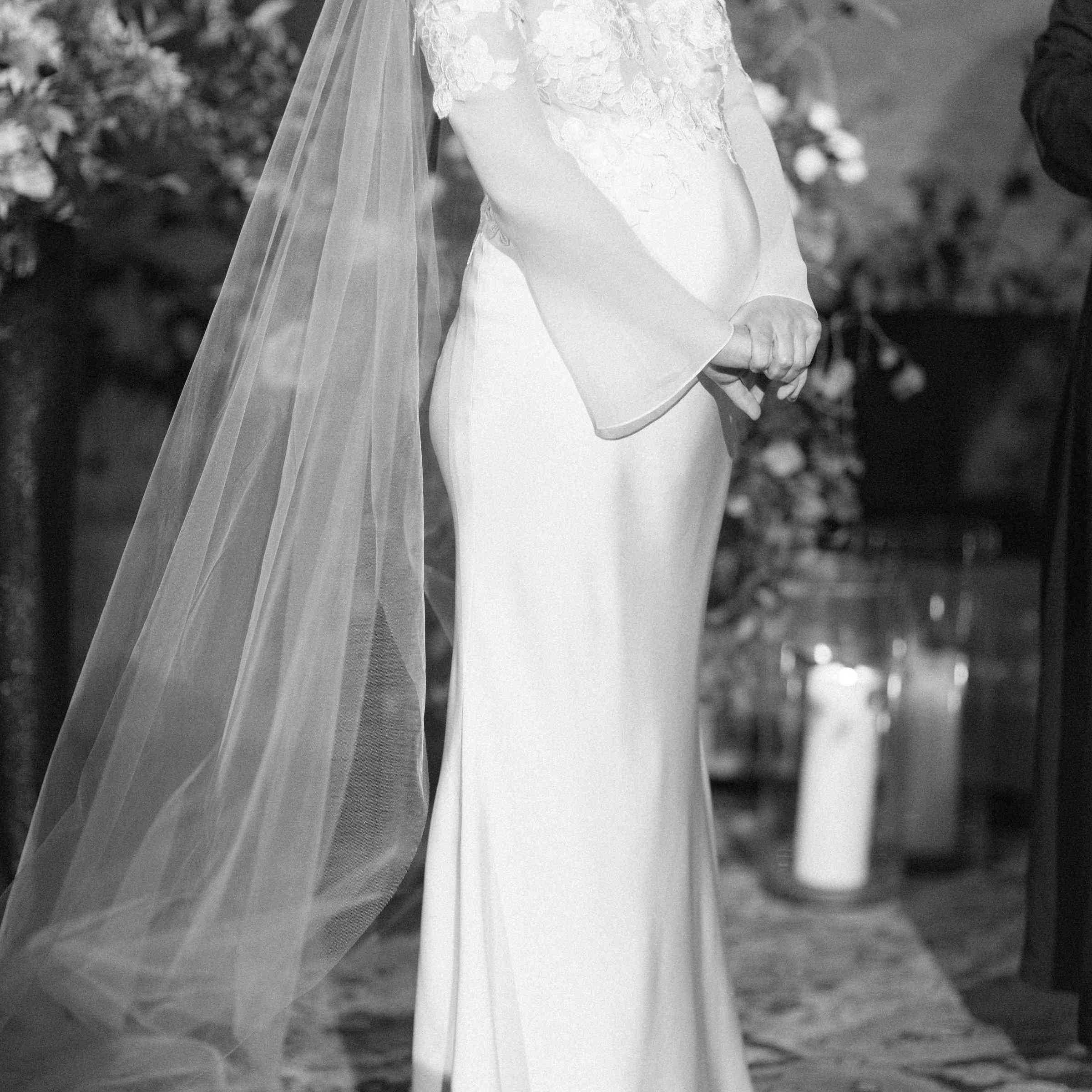 <p>Pregnant Bride</p><br><br>
