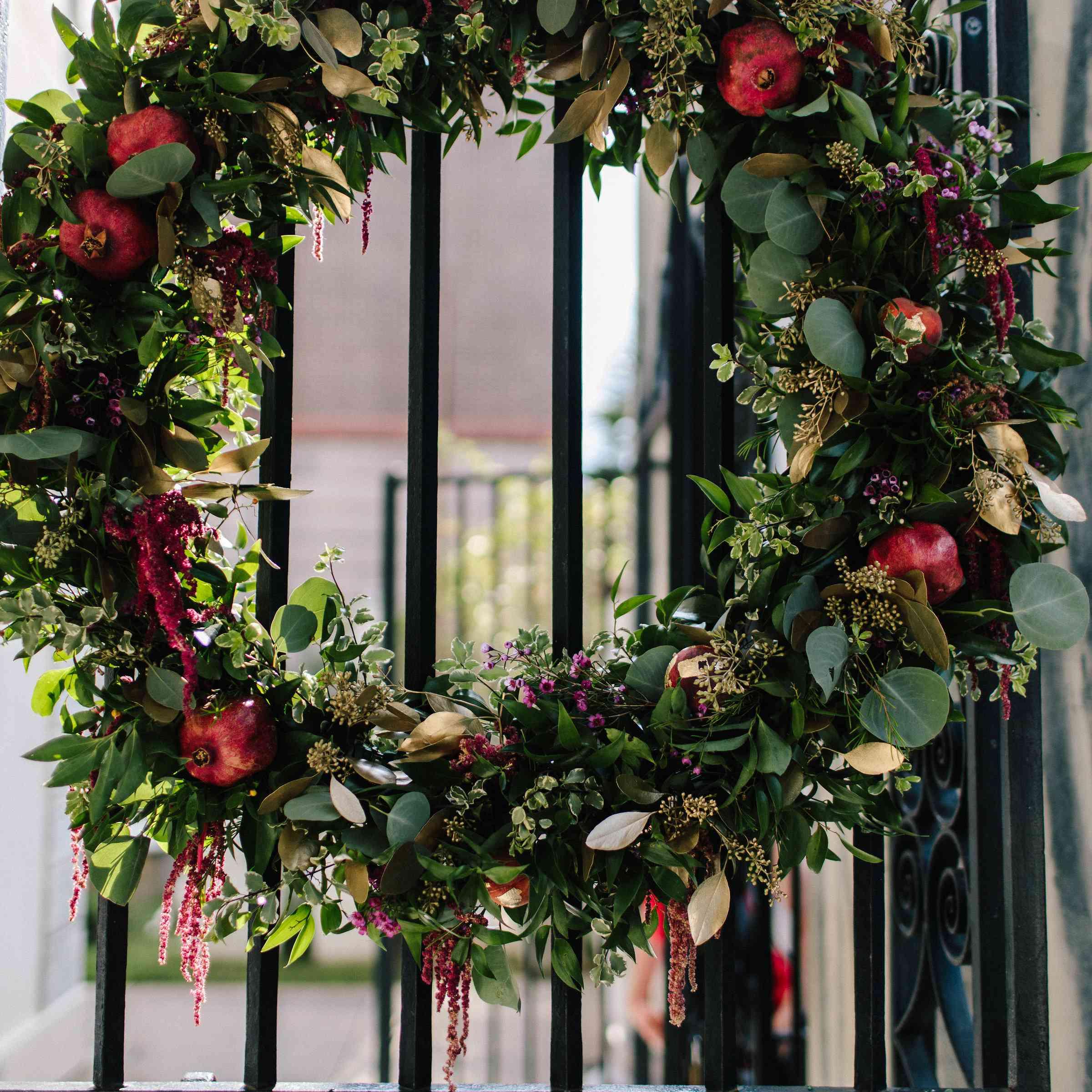 <p>Wedding wreath</p><br><br>
