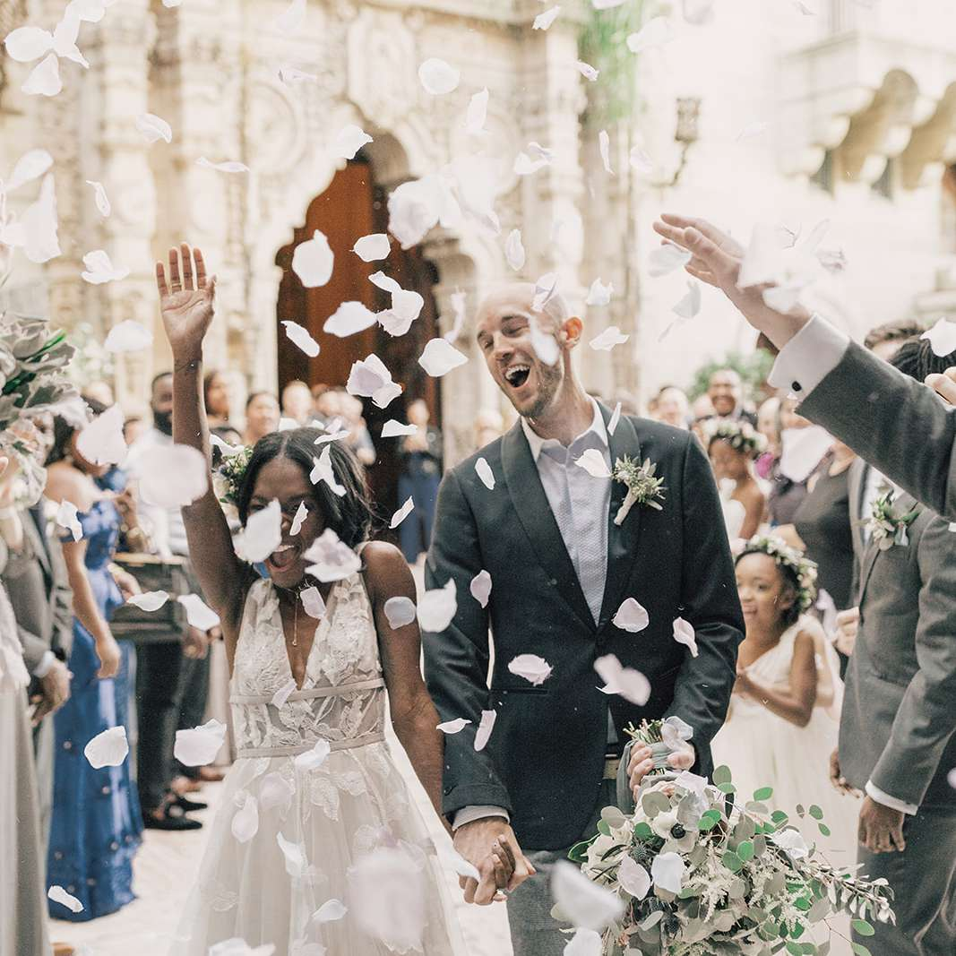 wedding exit toss