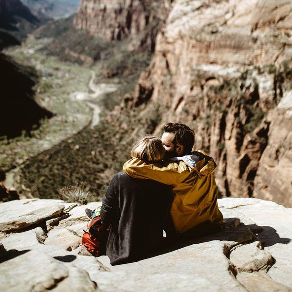 couple embracing on a hike