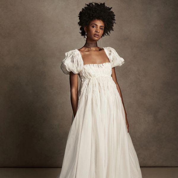 puff sleeves wedding dress
