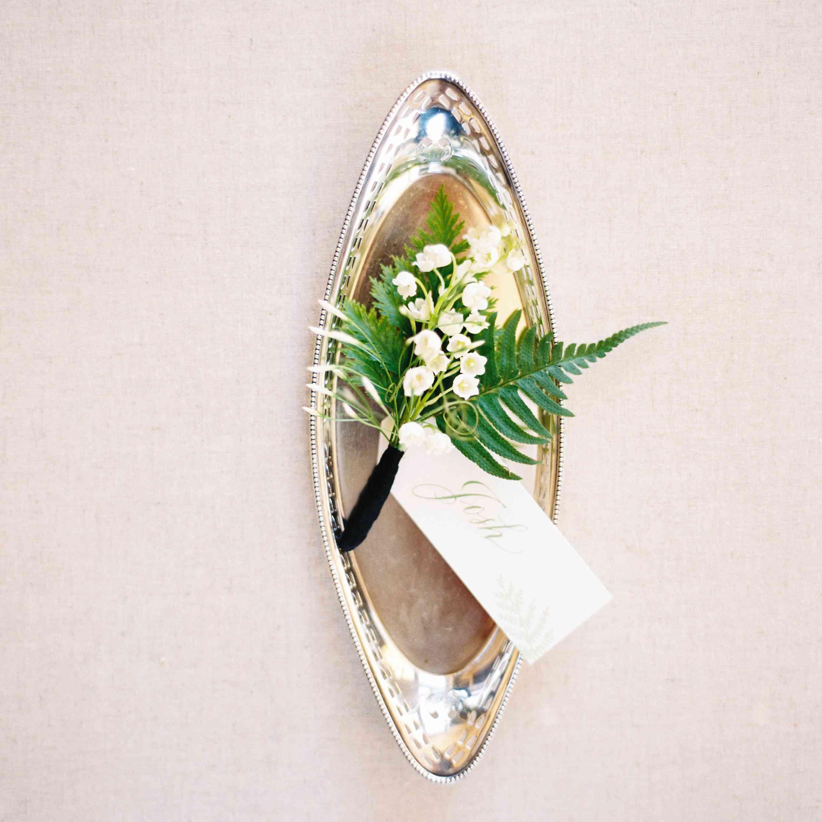 Floral boutonniere
