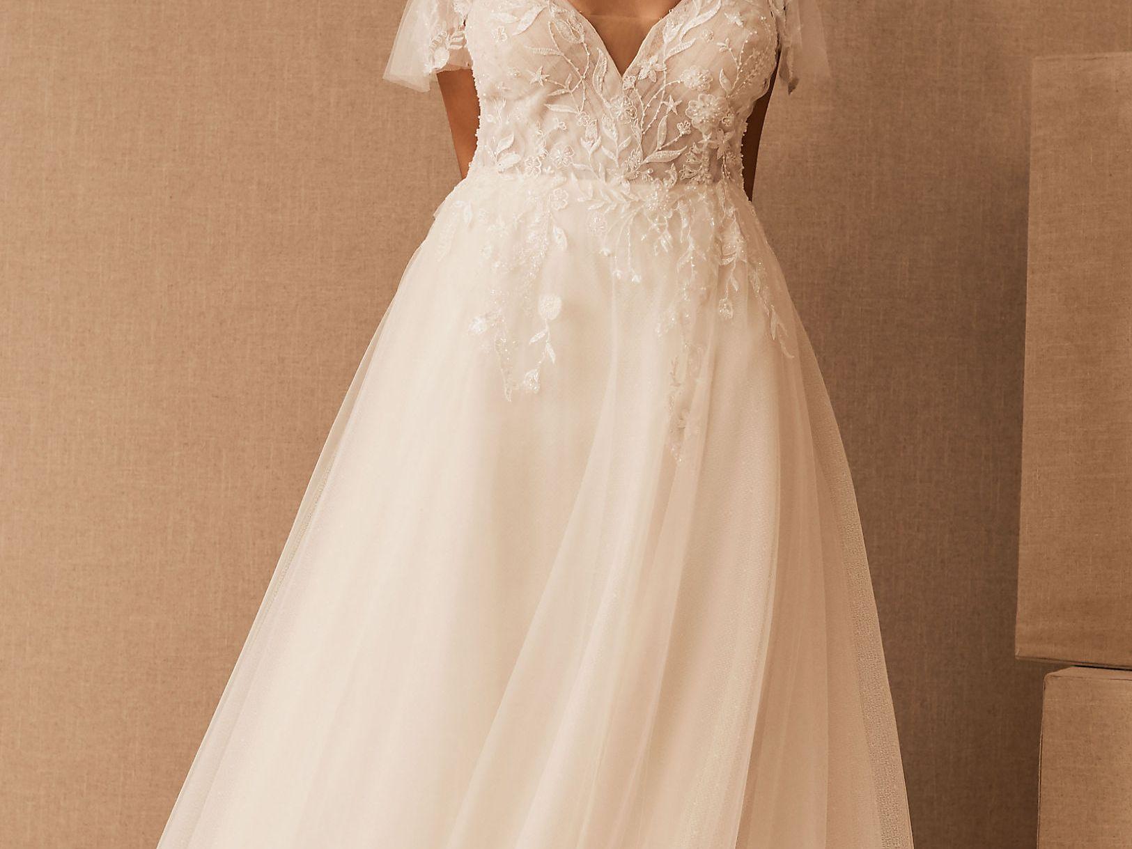18 Best Plus Size Wedding Dresses of 1821