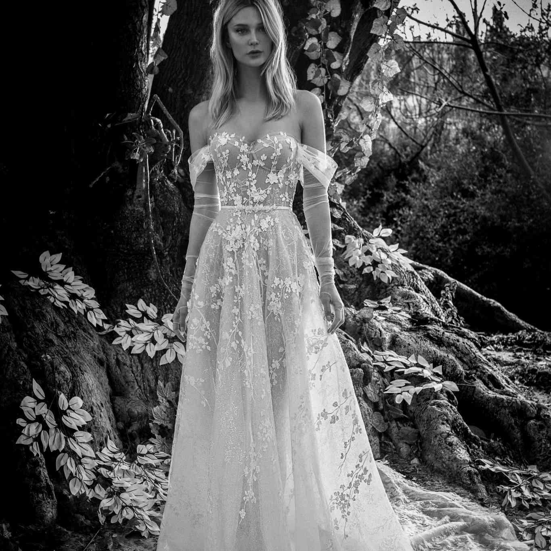 Spring off-the-shoulder wedding dress