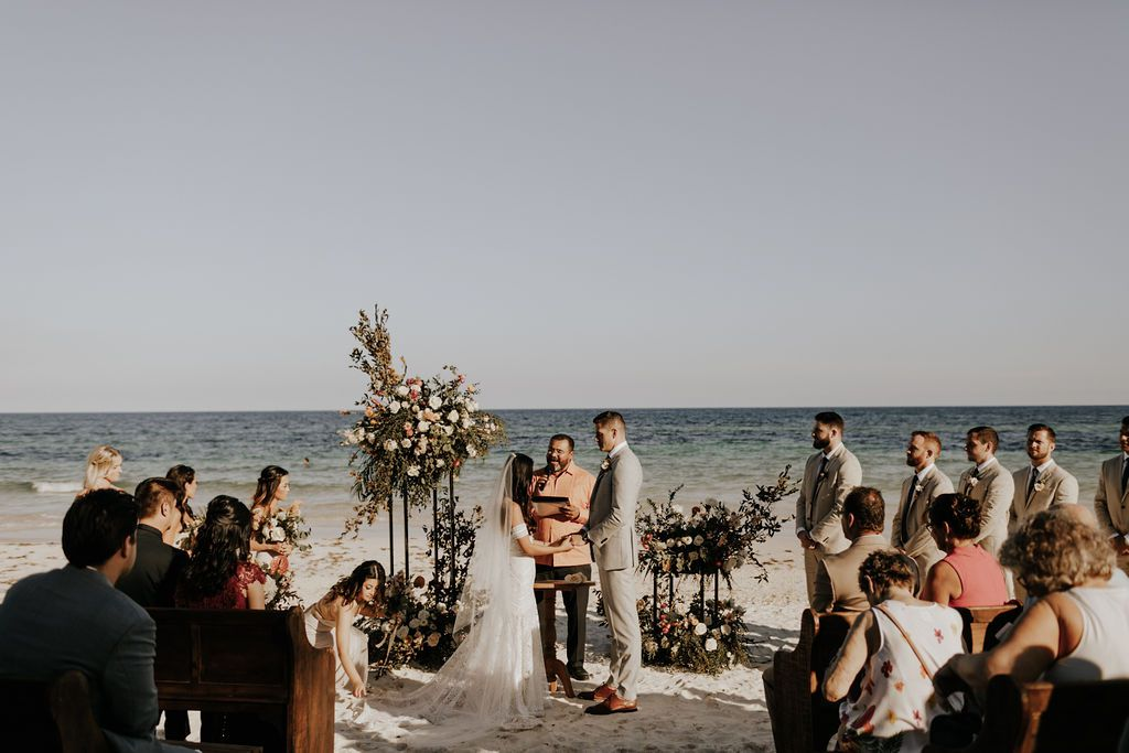 Katy and Dustin marry at the beach